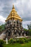 Stupa en el templo de Wat Chiang Man Imagen de archivo