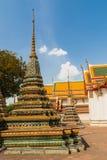 Stupa en el templo de Wat Phra Kaew, Bangkok Imagen de archivo libre de regalías