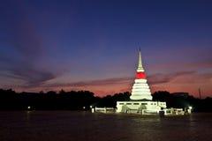 Stupa en la isla Imagenes de archivo
