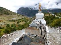 Stupa en Mani Wall stock fotografie