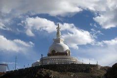 stupa för shanti för india ladakhleh Arkivfoton