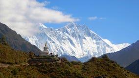 Stupa in het Himalayagebergte Royalty-vrije Stock Fotografie
