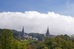 Stupa jumeau Photographie stock libre de droits
