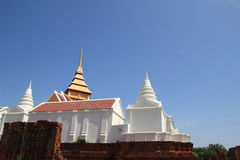 Stupa and mondop at prasat nakhon luang Stock Photos