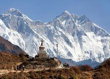 Stupa near Namche Bazar and Mount Everest, Lhotse Royalty Free Stock Photos