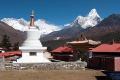 Stupa på Tengboche Arkivbilder