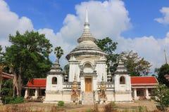 Stupa på Wat Phra Ngam Arkivbilder