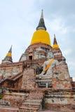 Stupa på Wat yai Royaltyfria Foton