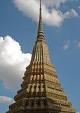 Stupa - storslagen slott - Bangkok royaltyfria bilder