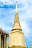 Stupa tailandés en palacio magnífico - Wat Phra Kaew Thailan Imágenes de archivo libres de regalías