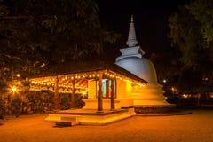 Stupa van Boedha, Sri Dalada Maligawa in Kandy, Sri Lanka De heilige Tempel van het Tandoverblijfsel is een Boeddhistische die te royalty-vrije stock afbeelding