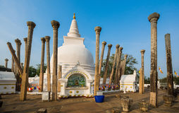 Stupa van Thuparamayadagoba, Anuradhapura, Sri Lanka Stock Afbeeldingen