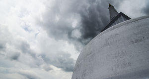 Stupa w Anuradhapura Sri Lanka podczas burzy Obraz Stock