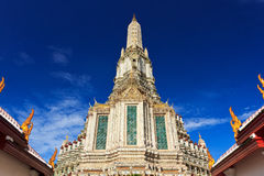 Stupa in Wat tailandese Immagini Stock