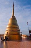Stupa на верхней части виска тигра (Wat Tham Suea) Стоковое Фото