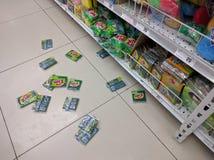 Stupade produkter från livsmedelsbutiken Fotografering för Bildbyråer