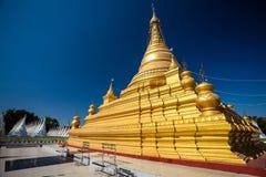 Stupamening van Kuthodaw-pagode, Mandalay, Myanmar stock fotografie