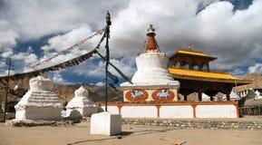 Stupas和友谊门在Leh 库存图片