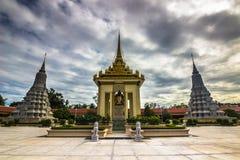 Stupas в королевском дворце Пномпень, Камбоджи стоковое фото