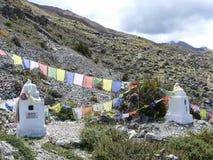 Stupas - за стенами виска Muktinath, Непала Стоковые Фото