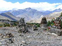 Stupas - за стенами виска Muktinath, Непала Стоковая Фотография RF