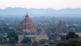 Stupas и пагоды Bagan старые Стоковое Изображение