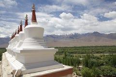 Stupas на монастыре Shey, Ladakh, Индия Стоковое Изображение