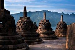 Stupas antiguo del templo de Borobudur Imágenes de archivo libres de regalías