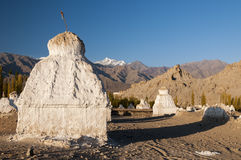 Старые stupas budhist под gompa Tikse, Ladakh, Индией Стоковые Изображения RF