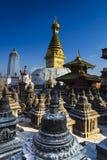 Stupas сотен и stupa Swayambhunath, Катманду, Непал стоковое фото