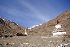 Stupas in den Bergen, Ladakh, Indien Lizenzfreie Stockfotografie