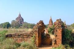 Stupas e pagodes de Bagan antigos Fotografia de Stock
