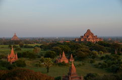 Stupas en Bagan viejo Imagen de archivo