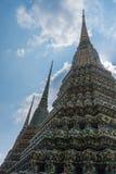 Stupas en Wat Pho Kaew, Bangkok, Thaïlande Images stock