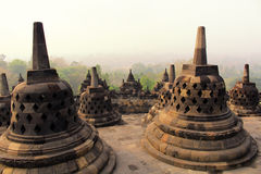 Stupas i den Borobudur templet, centrala Java, Indonesien Arkivbilder