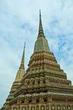 Stupas i Wat Phra Kaew arkivfoton