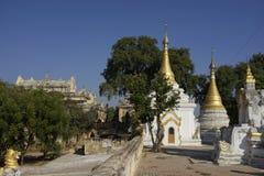 Stupas Maha Aung Mye Bonzan monaster Inwa, Myanmar (,) Zdjęcia Royalty Free