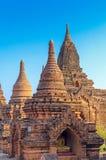 Stupas und Pagoden von Bagan alt Lizenzfreie Stockfotos