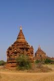 Stupas und Tempel des roten Sandsteins Stockfotografie
