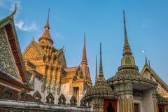 Stupas in Wat Po-complexe tempel Stock Foto's