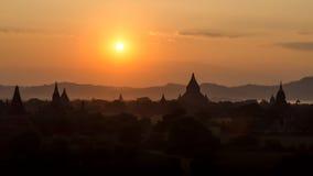 Stupas y pagodas de Bagan antiguos Fotos de archivo libres de regalías