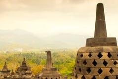 Stupas y paisaje en Borobudur Imagen de archivo libre de regalías
