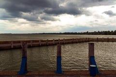 Sturm über dem See Lizenzfreie Stockbilder