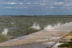 Sturm über dem See Stockbild