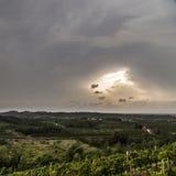 Sturm über den Feldern Lizenzfreie Stockfotos