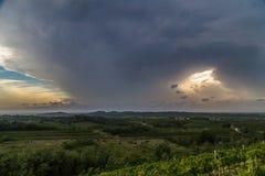 Sturm über den Feldern Stockfoto