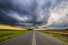 Sturm über den Feldern Stockbild