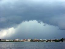 Sturm über der Stadt Stockfotografie