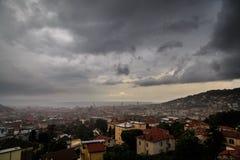 Sturm über der Stadt von Triest Lizenzfreie Stockfotos