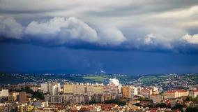 Sturm über der Stadt von Triest Stockfotografie